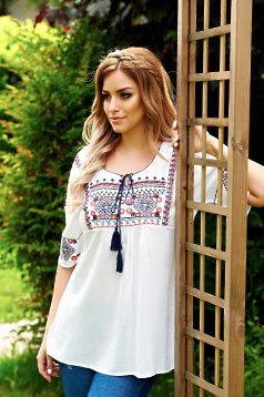 Ie Traditionala Influential White