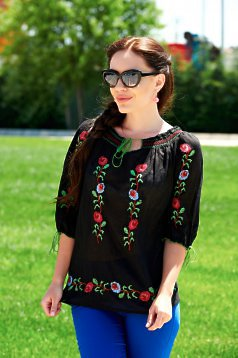 Ie Traditionala Beauty Roses Black