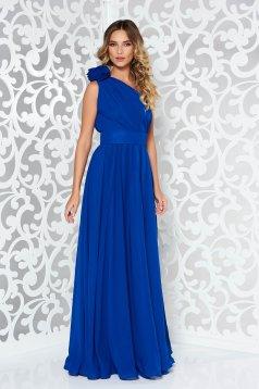 Rochie Ana Radu albastra de lux pe umar din voal accesorizata cu cordon