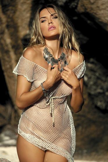 Rochie alba de plaja din dantela tricotata cu croi larg cu snur in talie