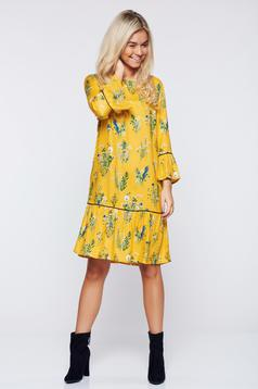 Rochie Top Secret galbena cu croi larg cu imprimeu floral