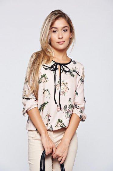 Bluza dama Top Secret rosa scurta din material vaporos cu imprimeuri florale