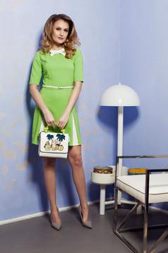 Rochie in clos PrettyGirl verde-deschis cu accesoriu tip curea