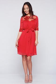 Rochie din voal Artista rosie accesorizata cu cordon