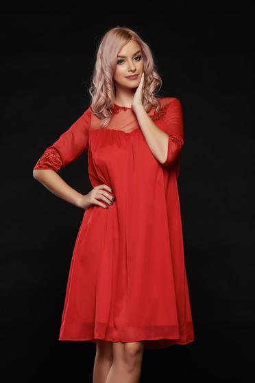 Rochie Artista rosie din voal accesorizata cu cordon
