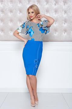 Rochie midi cu imprimeu floral LaDonna albastra cu maneca scurta