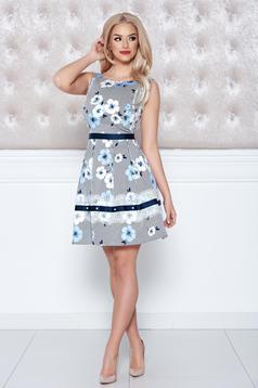 Rochie fara maneci LaDonna albastra-deschis cu imprimeuri florale