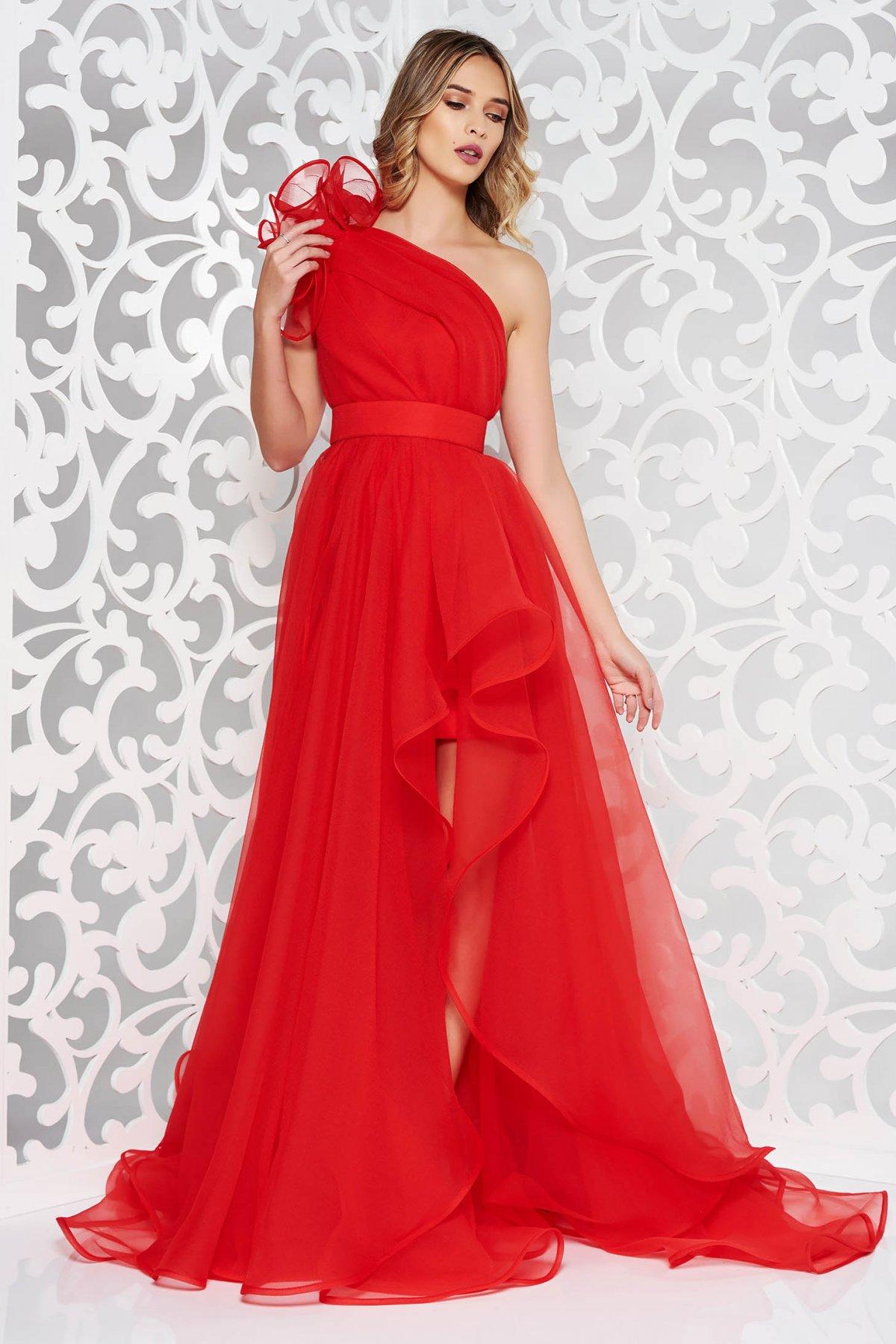 Rochie Ana Radu rosie de lux asimetrica pe umar captusita pe interior accesorizata cu cordon