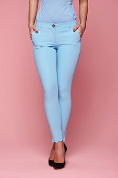 Pantaloni conici PrettyGirl albastri deschis cu buzunare