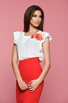 Bluza dama cu aplicatii florale LaDonna rosie cu maneca scurta