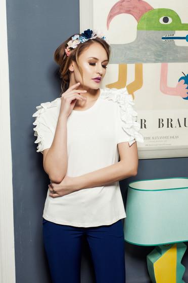 Bluza dama casual PrettyGirl alba din material elastic cu volanase la maneca