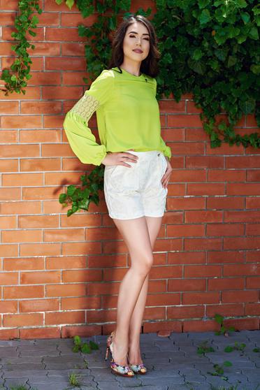 Bluza dama cu maneca lunga PrettyGirl verde-deschis cu aplicatii de dantela
