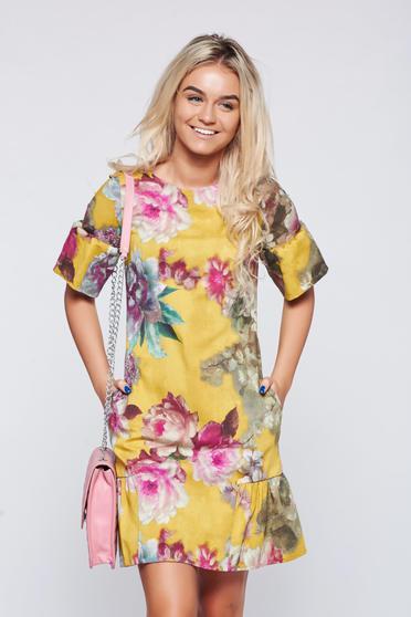 Rochie Fofy galbena cu imprimeu floral cu volanase la baza rochiei