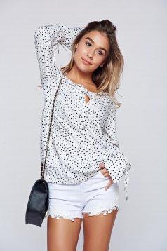 Bluza dama Top Secret alba din material vaporos cu imprimeuri cu buline