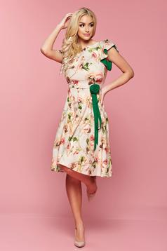 Rochie cu imprimeuri florale LaDonna crem accesorizata cu cordon