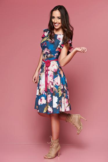 Rochie cu imprimeuri florale LaDonna albastra accesorizata cu cordon