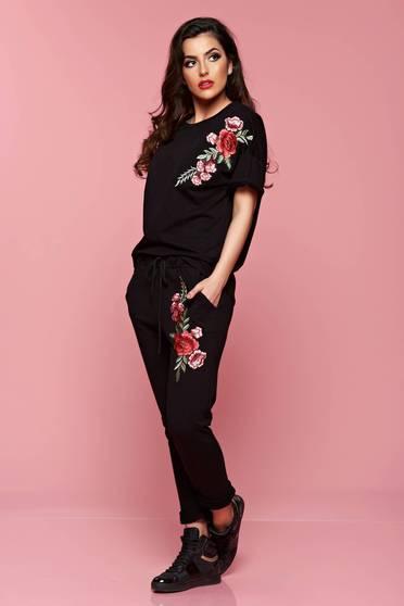 Bluza dama cu maneca scurta neagra cu insertii de broderie
