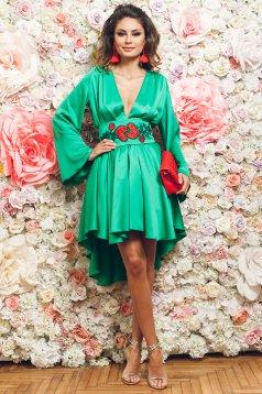 Rochie eleganta asimetrica PrettyGirl verde cu maneci clopot