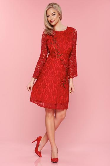 Rochie brodata din material dantelat PrettyGirl rosie cu maneci clopot