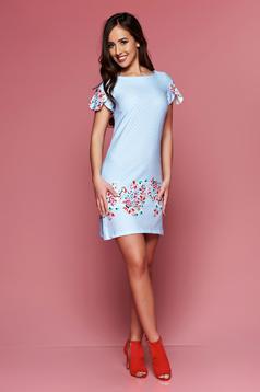 Rochie cu croi larg LaDonna albastra-deschis cu buline cu imprimeuri florale