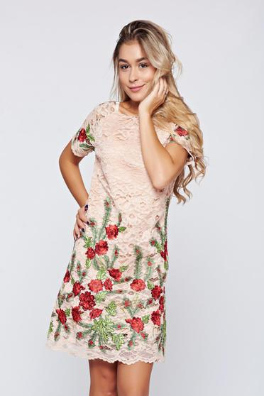 Rochie Artista roz brodata din material dantelat