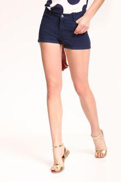 Pantalon scurt casual cu talie medie Top Secret albastru-inchis cu buzunare