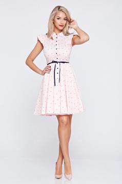 Rochie casual in clos Fofy roz deschis cu volanase la maneca
