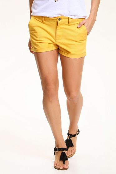 poze cu Pantalon Scurt Top Secret S029831 Yellow