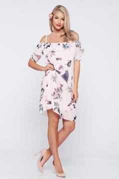Rochie cu bretele cu imprimeuri florale rosa cu volanase