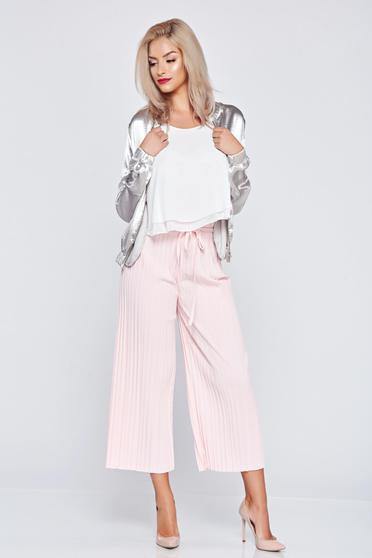 Pantaloni cu croi larg cu elastic in talie rosa cu pliuri de material