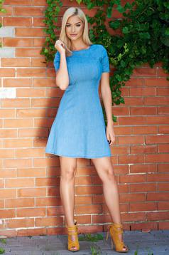 Rochie casual in clos albastra din bumbac elastic