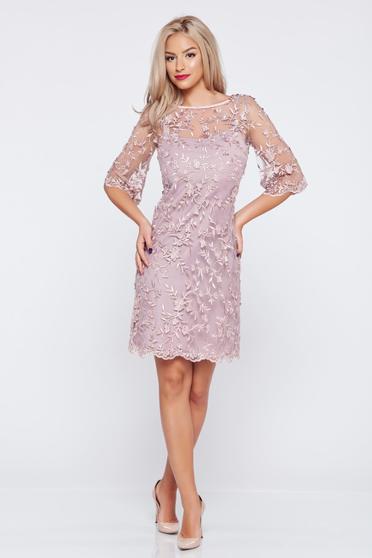Rochie de ocazie cu croi larg LaDonna lila din material dantelat