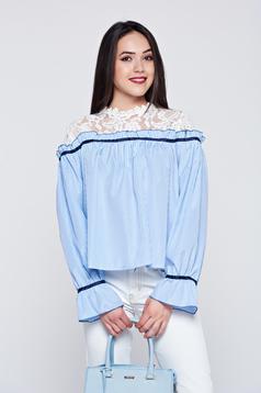 Camasa dama cu maneca lunga cu dungi albastra cu aplicatii de dantela