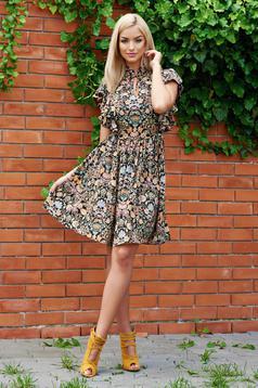 Rochie cu imprimeuri florale PrettyGirl neagra cu volanase la maneca