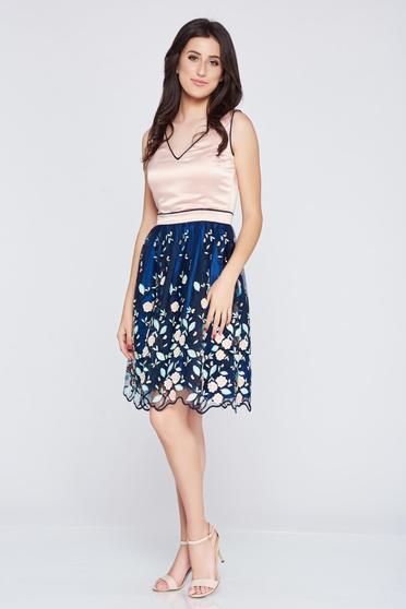 Rochie eleganta brodata albastru-inchis Fofy din material satinat