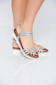 Sandale cu talpa usoara argintii cu pietre strass