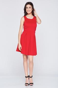 Rochie in clos cu bust buretat rosie cu spatele gol