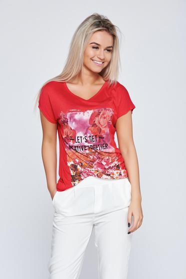 Tricou casual din bumbac elastic rosu cu imprimeuri florale