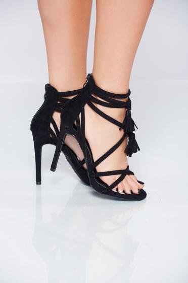 Sandale cu toc inalt negre cu bretele