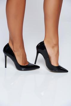 Pantofi stiletto negri eleganti cu toc inalt cu varful usor ascutit