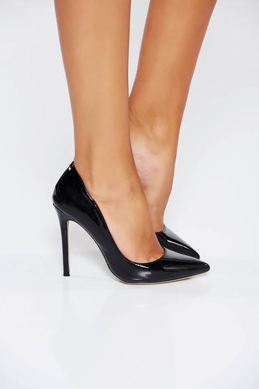 Pantofi stiletto negri eleganti cu toc inalt din piele ecologica cu varful usor ascutit