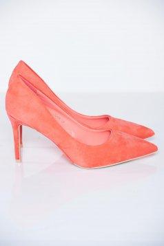 Pantofi cu toc inalt corai cu varful usor ascutit