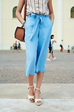 Pantaloni casual 3/4 Top Secret albastri cu talie medie