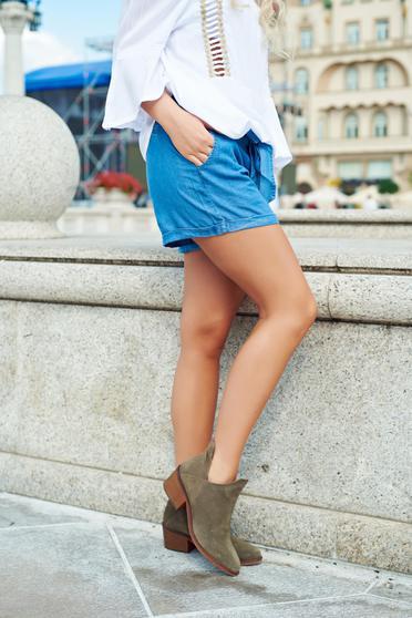 Pantalon scurt casual cu buzunare Top Secret albastru accesorizati cu cordon