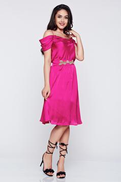 Rochie de ocazie in clos LaDonna roz cu umeri goi