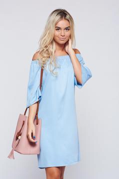 Rochie Top Secret albastra-deschis casual cu croi larg cu umeri goi