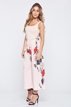 Pantaloni casual cu croi larg rosa cu imprimeuri florale