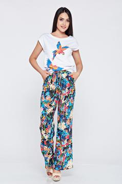 Pantaloni cu croi larg albastri cu imprimeuri florale