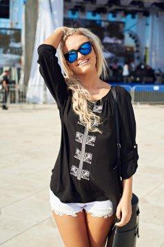 Bluza dama casual brodata neagra cu croi larg