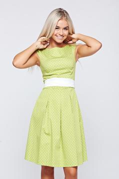 Rochie LaDonna verde-deschis din bumbac in clos cu buline